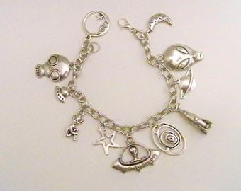 Alien Charm Bracelet, UFO Bracelet, Alien Jewelry, I Want to Beilieve, Sci-Fi Jewely, Sci-Fi Bracelet, Alien Bracelet, UFO Jewelry