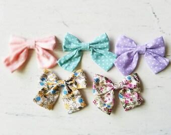NEW printed fabric bow clips, chiffon bow clips, polka dot bows, baby girl hair clips, Large bows Photo prop