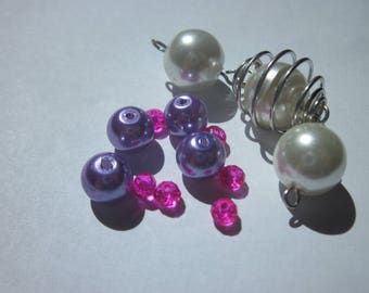 13 1 (16) metal cage and multicolored glass beads