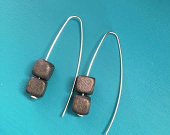 Elegant Silver drop earrings with charcoal grey bead