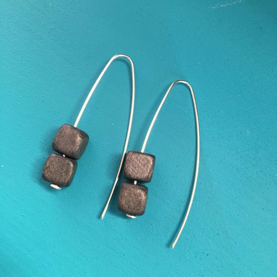 Elegant Silver drop earrings with charcoal grey bead