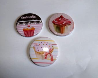 "special ""rainbow pastries"" Cupcake magnets measuring 5.8 cm in diameter, customizable on demand with one or more names"