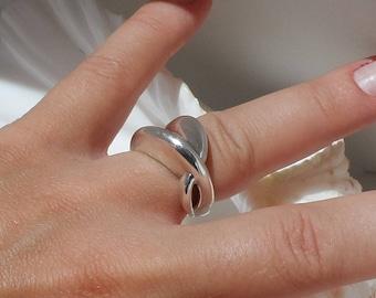 Elle 925 Sterling Silver Modernist Ring Size 7