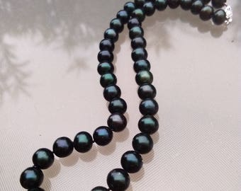 Vintage solid 14k yellow gold clasp black pearl necklace green dark blue luster grey pearl high quality cultured pearl