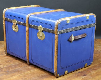 Blue fitted courier trunk R2281