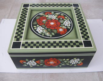 Decorative painting on a large box