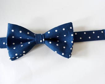 Bow ties,mens bow ties,ivory and navy blue,cotton ties,navy blue,ivory polka dots,cotton fabric