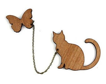 """Kit brooch """"Cat and Butterfly"""" natural wood"""