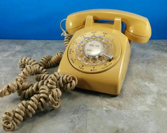 Vintage Retro Rotary Dial Phone - Cream/Tan Office Phone - Retro Office - 1970s Beige Telephone