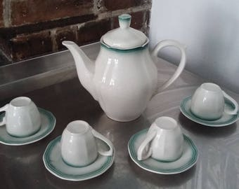 Unusual Brazil / Oxford Coffee Chocolate Pot and Cups and Saucers