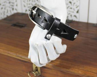 Pezzo unico,bracciale/polsino in pelle con grande fibbia,regolabile,da portare abbondante,solo un pezzo,fibbia vintage,handmade in Italy