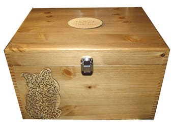 Personalised Pet Memorial Memory Box for a Cat. Unique Pet Urn Storage or for Keepsakes.