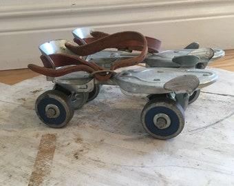 Vintage Roller Skates/metal roller skates/Speed King skates/blue wheel skates