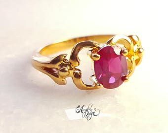 Garnet Gemstone Gold Ring. January Birthstone Siam Quartz Ring Vintage Style One of a kind Red Emerald Gem Solitaire Ring Bridesmaid Jewelry