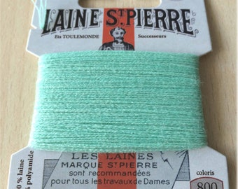 St. Pierre 800 Emerald wool yarn