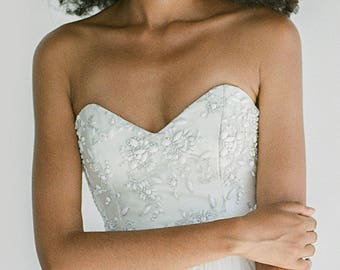 Shannon // A sweetheart wedding dress with hand-beaded lace