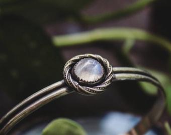 Moonstone Sterling Silver Cuff, Handmade Sterling Silver Cuff, Moonstone Bracelet, Silver Cuff, Moonstone Jewelry, Feldspar Silver Cuff