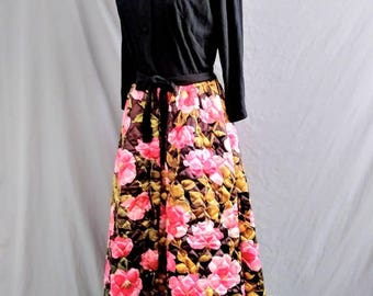 1970s Sears At Home Satin Hostess Loungewear Quilted Floral Gown Robe Dress Black Pink Belted Button Front Zipper Front With Pockets