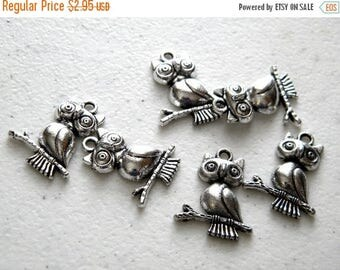 HALF PRICE 6 Silver Owl Charms - 23mm