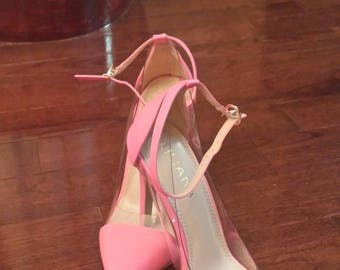 """Vintage pink pumps, Size 7B, heel is almost 3.5"""" pointed toe, Hot Hot Hot"""
