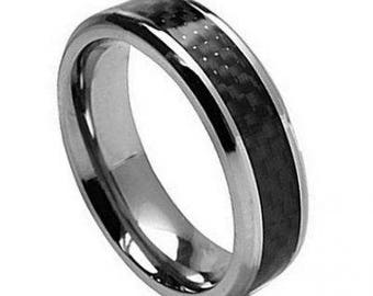 Titanium Ring with Black Carbon Fiber Inlay – 7mm