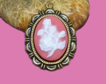 Set of 2 white and coral 18x13mm cameos