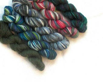 "5 mini skeins of sock yarn, 10 g each, 50 g / 205 yards total,  colour ""Deep dark green"", fingering weight mini skeins, 75% wool,sockyarn"