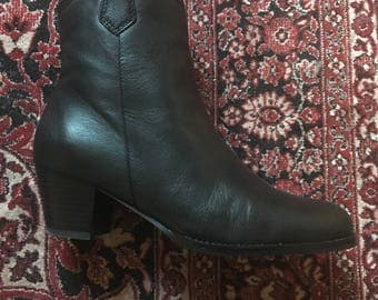 Leather handmade ankle boots / Made in Spain. Authentic beautiful real leather