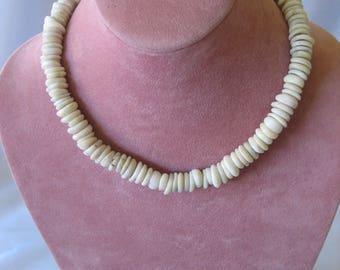 "Vintage Authentic 70s Hawaiian Surfer Natural 17"" Puka Shell Necklace Choker 90 grams HUGE!"
