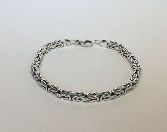 Byzantine Sterling bracelet with square shape 4,3x4,3mm, 195 mm, 19,5 gr , hand made.