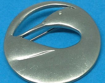 Vintage sterling silver round swan cut/out pin brooch