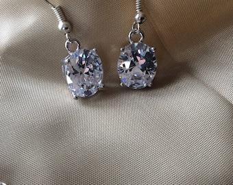 Diamond Wedding earrings. Diamond earrings. Bridal earrings. Elegant diamond earrings. Dangling earrings.