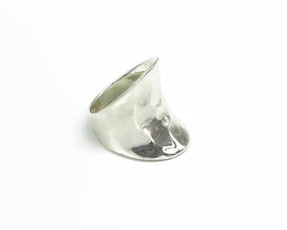 Wide sterling silver band ring, hammered and curved, smaller size, suit pinky ring, stamped 925, 6 grams, size L / 5.75