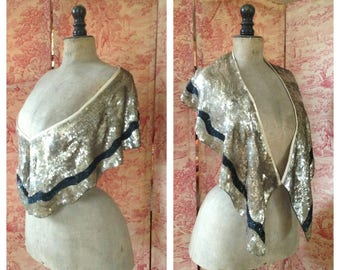 Gorgeous original 1920s shimmering sparkly gold and black sequin flapper cape/ stole