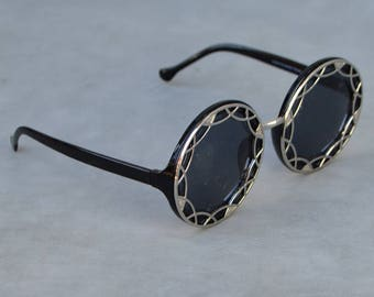 Round Sunglasses with Silver Detail