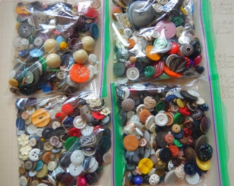 1/2 Pound Vintage And Antique Button Lot Plastic Shell And Metal Grab Bag Lot