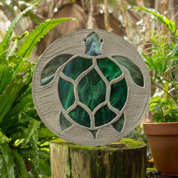 "Sea Turtle Stepping Stone, Large 18"" Diameter Made with Concrete and Stained Glass, Perfect for Your  Patio or Backyard Garden Path #785"
