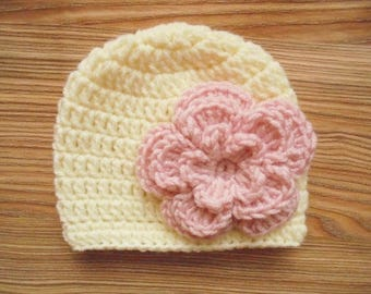 Crochet baby hat Cream newborn hat Baby girl winter hat Cream baby girl hat Newborn girl outfit Flower baby hat Baby girl beanie