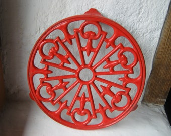 Red Enamel Trivet, French Vintage Trivet, Enamel Pan Stand, Cast Iron Plant Stand