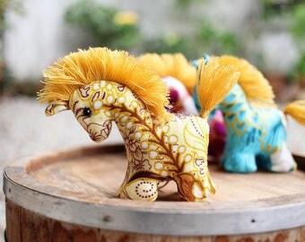50 Horse keychains, Horse keychain, Animal keychain, Stuffed horse, Fabric horse, Key ring, Gift