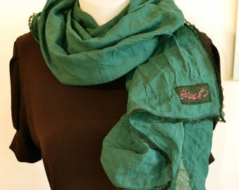 gereen scarf with lac