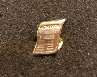 We The People     Declaration of Independence Pin