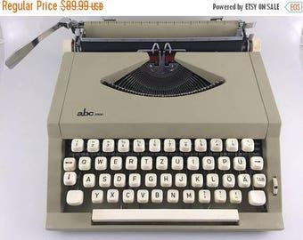 abc 2000 Working Typewriter, Ultra Portable German Deutsch Typewriter w/ Case, Wedding Prop, Christmas Gift or Birthday or Writer Gift
