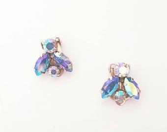 Vintage 1950s Blue Aurora Borealis Rhinestone Clip On Earrings