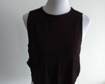 Black sleeveless cropped teeshirt/ top