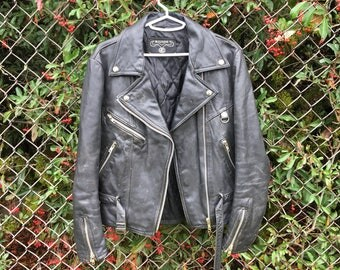 Vtg Black Leather Motorcycle Jacket - Small Womens - Bullskins - 70s Clothing - Distressed - Grunge - Punk Jacket - Vintage Clothing -