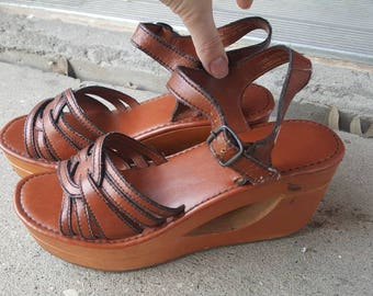 Vintage 1970s Women's Wood Wedge Sandals, Made in Taiwan Size 8, Hippie