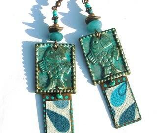 Boucles d'oreilles rustiques bohèmes turquoise cuivre textile jade gemmes métal peint kuchi poisson hippie boho unique ooak fait main