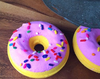 Vanilla Raspberry Bath Bomb Donut vanilla  berry Scent Natural Handmade Bath Fizzy doughnut - Easter Gift Easter Egg Hunt