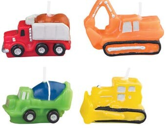 Construction vehicle theme candles WILTON